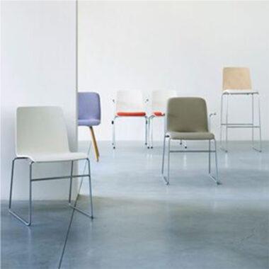 Moka Rod Frame chair